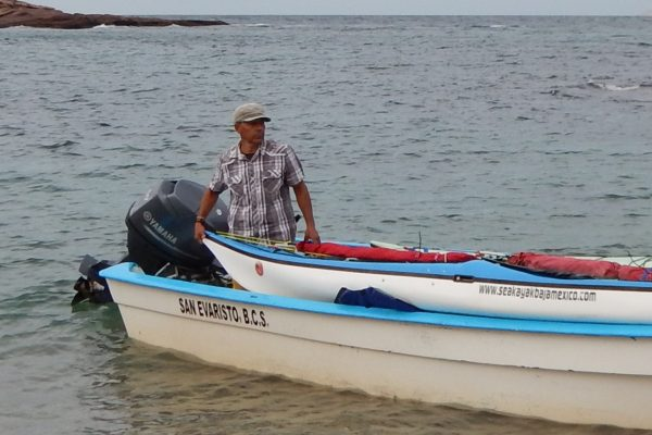 Lupe unloads kayaks at Isla San Jose